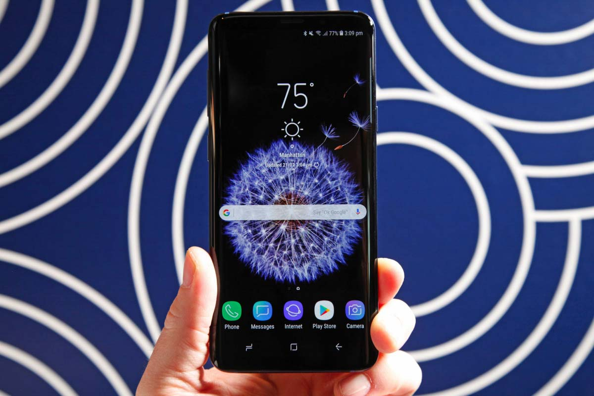 5 reasons why Samsung's new Galaxy S9 is better than the iPhone X